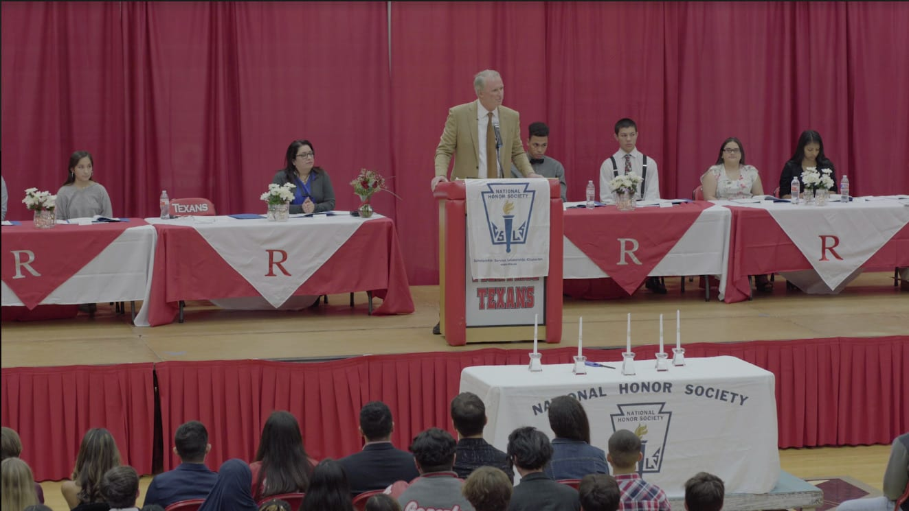 FOUNDING PARTNER BOB HILLIARD GIVES KEYNOTE SPEECH AT NATIONAL HONOR SOCIETY INDUCTION CEREMONY